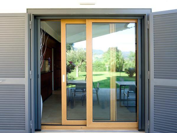 Porte finestre in pvc parma la spezia prezzi offerte for Vendita finestre pvc