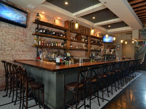 Arredamento per bar e ristorante marina di massa busini for Arredamento bar e ristoranti