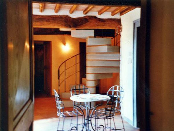 produzione-scale-in-legno-per-interni-Parma